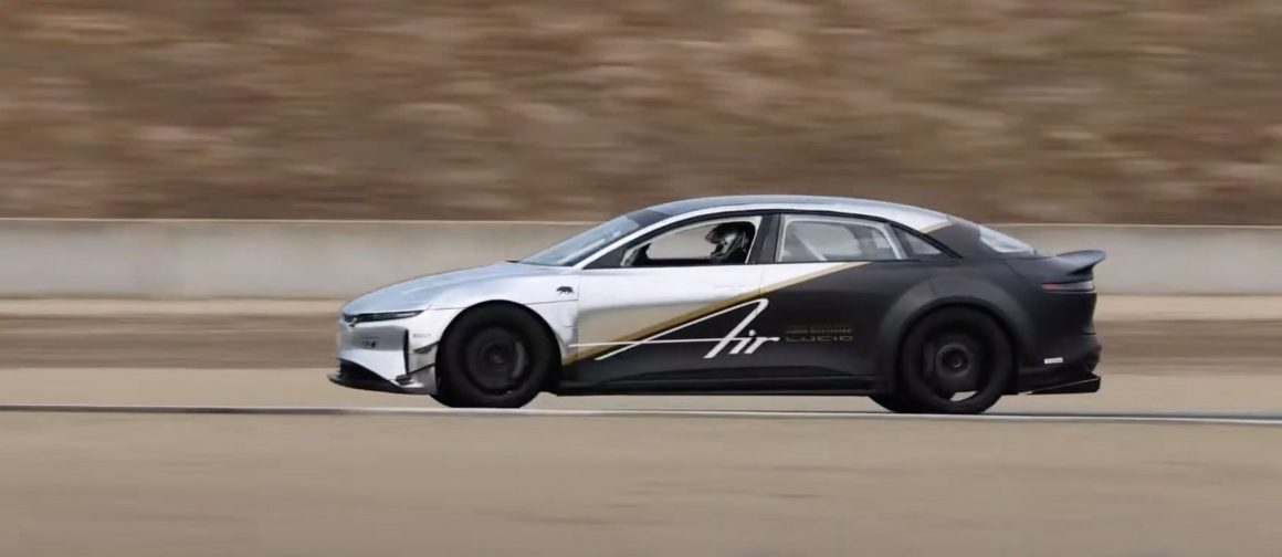 Lucid beats Tesla Model S Plaid prototype
